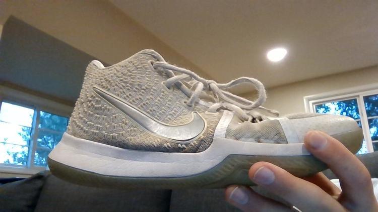 Nike Kyrie 3 white (used) | Basketball
