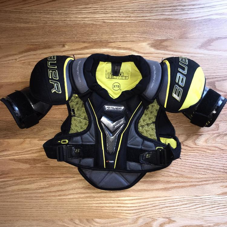 Junior Medium Supreme 1s Shoulder Pads
