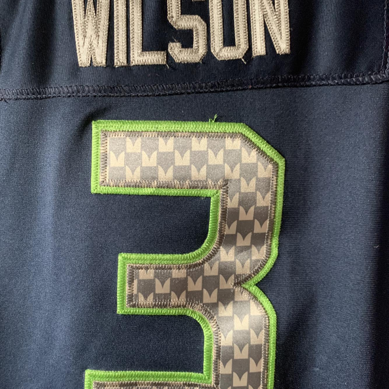 Seattle Seahawks Jersey Russell Wilson. Y/L *Stitched*   SidelineSwap