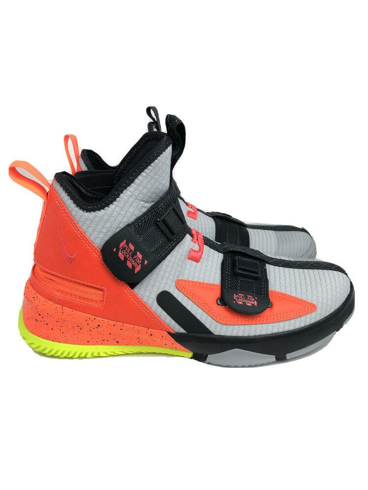 Nike Womens Lebron Soldier XIII Flyease