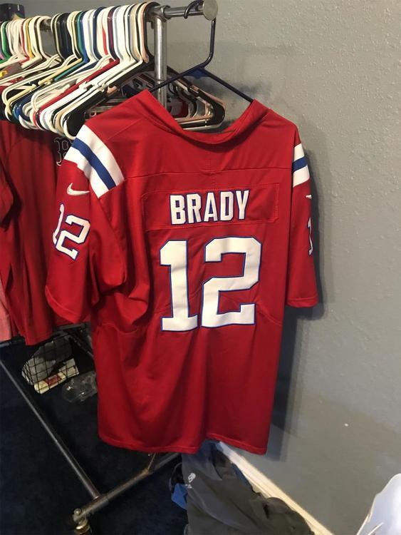 Red Men's Large Nike Tom Brady Jersey   SidelineSwap