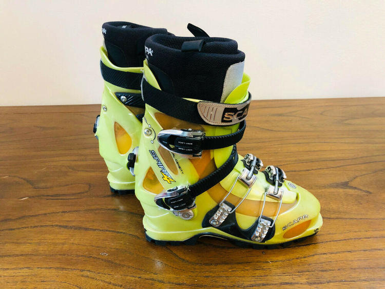 313mm / Size 10-10.5 | Skiing Boots