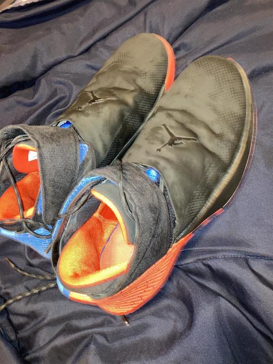 Black Men's Size 11.5 (Women's 12.5) Air Jordan Shoes