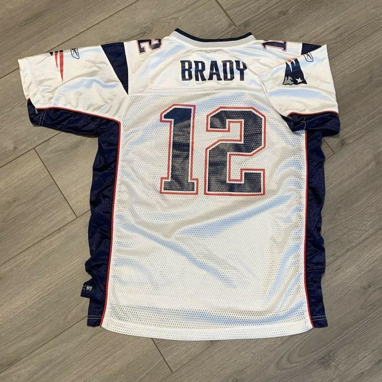 patriot jersey of tom brady boys xl
