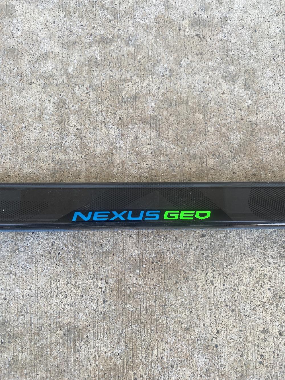 1 Details about  / NEW RH Bauer Nexus Geo Flex 77 P92 Right Senior Hockey Stick Free Shipping