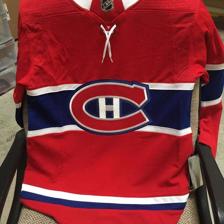 Montreal Canadiens Red Adult Size 44 (XS)Adidas Jersey