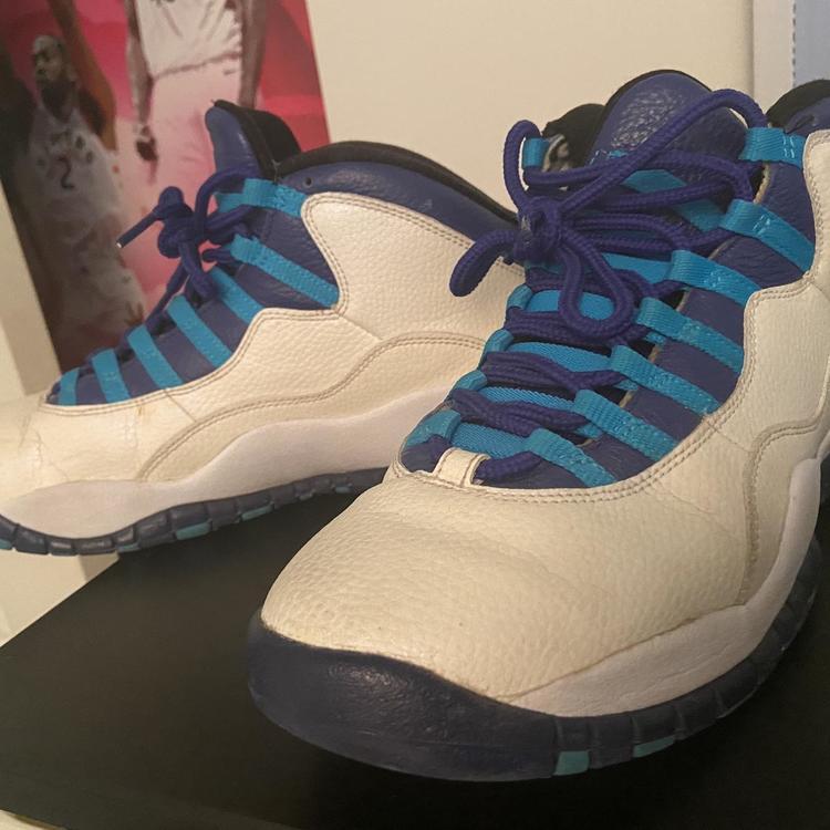 Men's Size 9.0 (Women's 10) Air Jordan Shoes