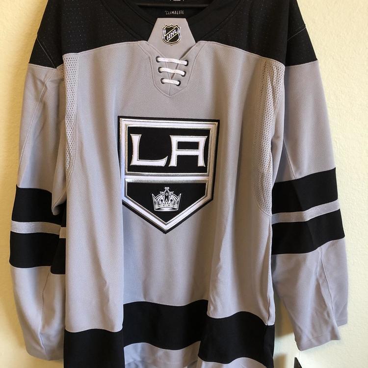 Adidas NHL LA Kings Authentic Alternate Gray Hockey Jersey Size 54