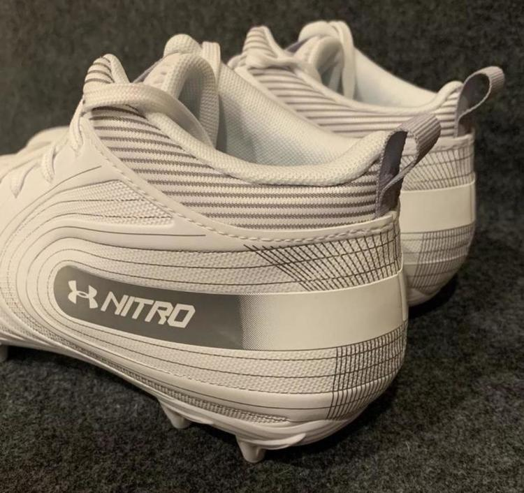 Under Armour Nitro Mid MC White Men/'s Football Cleats 3000181-100