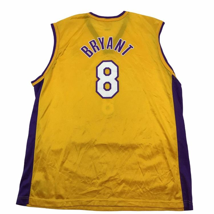 Vintage Los Angeles Lakers Kobe Bryant #8 Champion jersey. Tagged an XL. | SidelineSwap