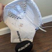 Senior Bauer 3S Regular Glove and Blocker