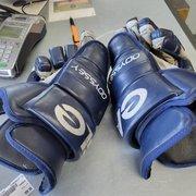 "Used Eagle X6 14"" Ice Hockey Gloves"
